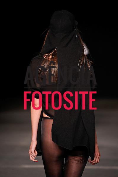 Rio de Janeiro, Brasil – 04/06/2011 - Desfile de Auslander  durante o Fashion Rio  -  Verão 2012. Foto : Silvia Boriello / Agência Fotosite