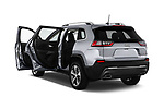 Car images close up view of a 2018 Jeep Cherokee Limited 5 Door SUV doors