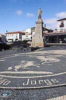 Kirchplatz in Velas auf der Insel Sao Jorge, Azoren, Portugal