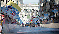 an uphill bunch sprint in full swing<br /> <br /> 2015 Giro<br /> stage 2: Albenga - Genova (177km)