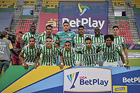 IBAGUE - COLOMBIA, 30-03-2021: Jugadores de Nacional posan para una foto previo al partido entre Deportes Tolima y Atlético Nacional por la fecha 16 como parte de la Liga BetPlay DIMAYOR I 2021 jugado en el estadio Manuel Murillo Toro de la ciudad de Ibagué. / Players of Nacional pose to a photo prior match between Deportes Tolima and Atletico Nacional for the date 16 as part of BetPlay DIMAYOR League I 2021 played at Manuel Murillo Toro stadium in Ibague. Photo: VizzorImage / Joan Orjuela / Cont