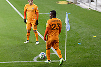 ST PAUL, MN - OCTOBER 18: Darwin Quintero #23 of Houston Dynamo prepares for a corner kick during a game between Houston Dynamo and Minnesota United FC at Allianz Field on October 18, 2020 in St Paul, Minnesota.