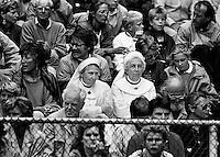 """1986, Hilversum, Dutch Open, Melkhuisje, """"Godelijke"""" supporters"""