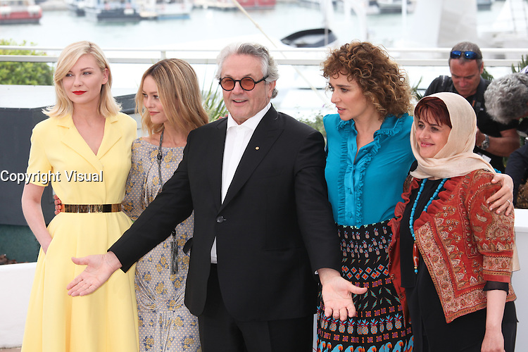 KIRSTEN DUNST, VANESSA PARADIS, PRESIDENT OF THE JURY GEORGE MILLER, VALERIA GOLINO AND KATAYOON SHAHABI - PHOTOCALL OF THE JURY AT THE 69TH FESTIVAL OF CANNES 2016