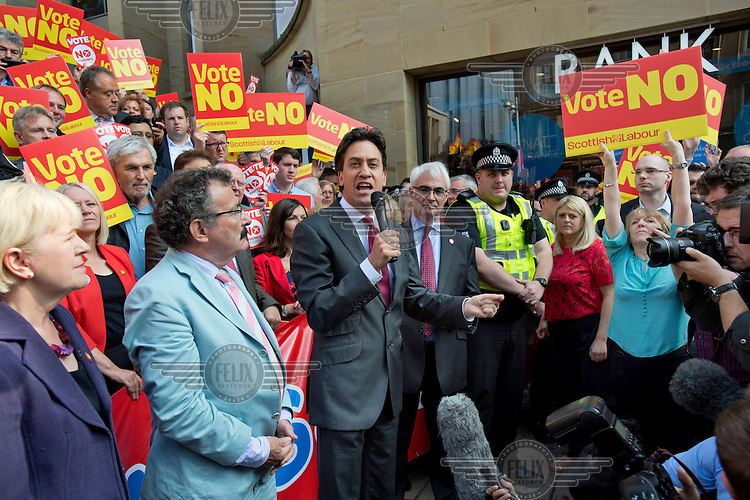 Labour Leader Milliband, Alistair Darling and other Labour MP's address a 'Better Together' 'No' to independence rally after it was interupted by 'Yes' supporters.