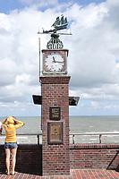 Uhrenturm am Hauptstrand von Wangerooge - Wangerooge 20.07.2020: Flug nach Wangerooge