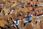 Great Britain, England, East Sussex, Rye: View over roof tops from tower of the Church of St Mary the Virgin | Grossbritannien, England, East Sussex, Rye: Blick ueber die Daecher der Stadt und Romney Marsh vom Turm der Church of St. Mary the Virgin