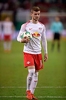 25.10.2017, Football DFB-Pokal 2017, 2.round, RB Leipzig - FC Bayern Muenchen, in Red Bull Arena Leipzig, Timo Werner (RB Leipzig) traegt den Ball  penaltypunkt  penaltyschiessen. *** Local Caption *** © pixathlon<br /> <br /> +++ NED + SUI out !!! +++<br /> Contact: +49-40-22 63 02 60 , info@pixathlon.de