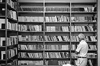 - carcere di Bergamo, la biblioteca (1983)<br /> <br /> - Bergamo jail, the library (1983)