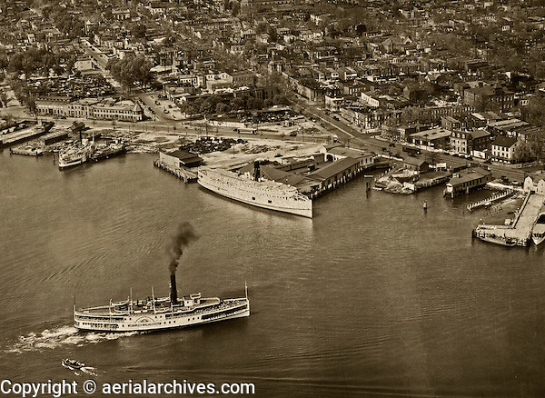 historical aerial photograph wharfs Washington, DC 1931