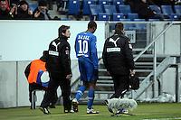 Ryan Babel (Hoffenheim) wird verletzt ausgewechselt