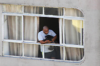 SÃO PAULO, SP, 23.03.2020 - CORONAVIRUS-SP - População tenta se ocupar durante a quarentena de prevenção ao contágio do novo Coronavirus COVID-19, no Bairro da Consolação, em São Paulo, nesta segunda-feira, 23. (Foto Charles Sholl/Brazil Photo Press)