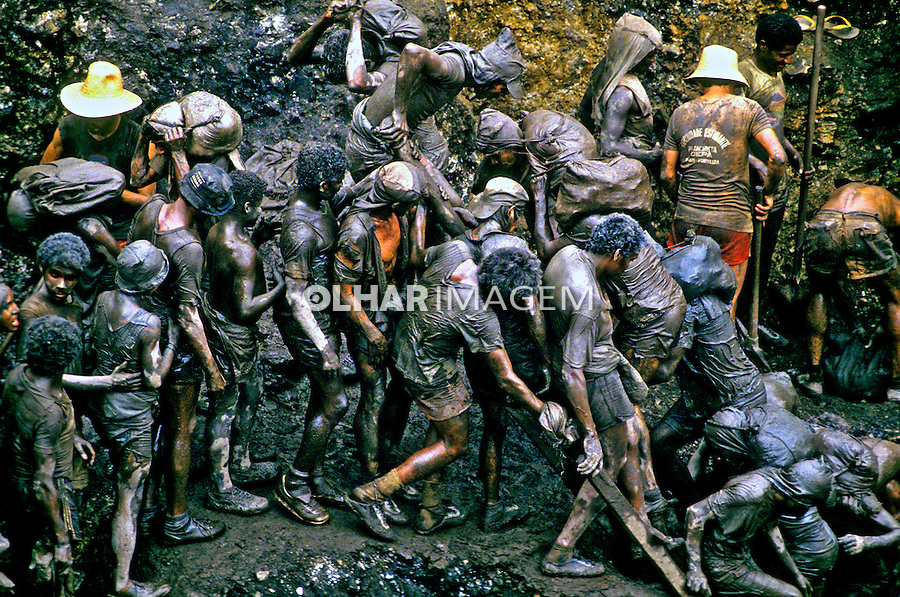 Garimpo de ouro Serra Pelada. Pará. 1986. Foto de Juca Martins.