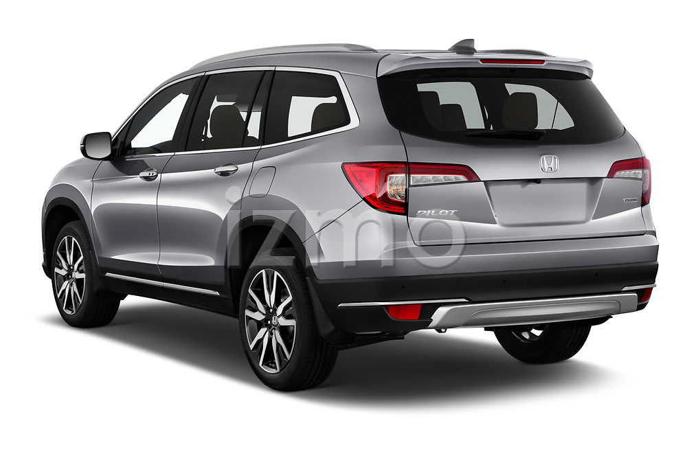 Car pictures of rear three quarter view of 2022 Honda Pilot Touring-2WD 5 Door suv Angular Rear