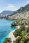 France, Provence-Alpes-Côte d'Azur, Roquebrune-Cap-Martin: View along Roquebrune Bay with beach Plage de Buse to Monte Carlo | Frankreich, Provence-Alpes-Côte d'Azur, Roquebrune-Cap-Martin: Blick ueber Roquebrune Bucht mit Plage de Buse nach Monte Carlo