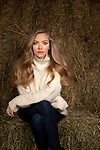 "STONE RIDGE, NY — NOVEMBER 16, 2020:    Actress Amanda Seyfried poses for a portrait at her upstate farmhouse on Monday, November 16, 2020 in Stone Ridge, NY.  Seyfried for stars in David Fincher's ""Mank.""  PHOTOGRAPH BY MICHAEL NAGLE"