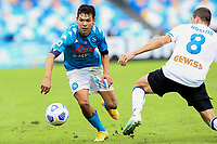 Hirving Lozano of SSC Napoli and Marten de Roon of Atalanta BC compete for the ball during the Serie A football match between SSC Napoli and Atalanta BC at San Paolo stadium in Naples (Italy), October 17th 2020. Photo Cesare Purini / Insidefoto
