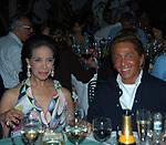 MARISELA FEDERICI CON VALENTINO GARAVANI<br /> INAUGURAZIONE BOUTIQUE PUCCI A CAPRI 2005
