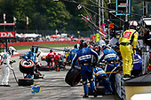 /i#30: Takuma Sato, Rahal Letterman Lanigan Racing Honda, pit stop
