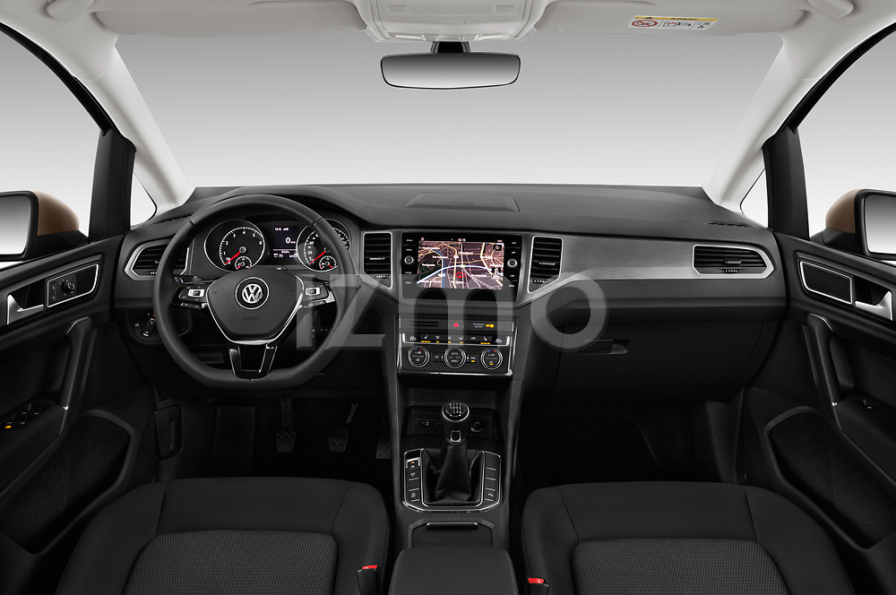 Stock photo of straight dashboard view of a 2018 Volkswagen Golf Sportsvan Comfort Line  5 Door MPV