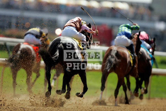 Horses head towards the finish line during the Humana Distaff Handicap at Churchill Downs in Louisville, Kentucky on May 6, 2006.  Barbaro, ridden by Edgar Prado, won the 132nd Kentucky Derby in the tenth race of the day....