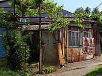 Traditionelle Häuser in der Altstadt, Batumi, Adscharien - Atschara, Georgien, Europa<br /> traditional houses in the historic city,  Batumi, Adjara,  Georgia, Europe