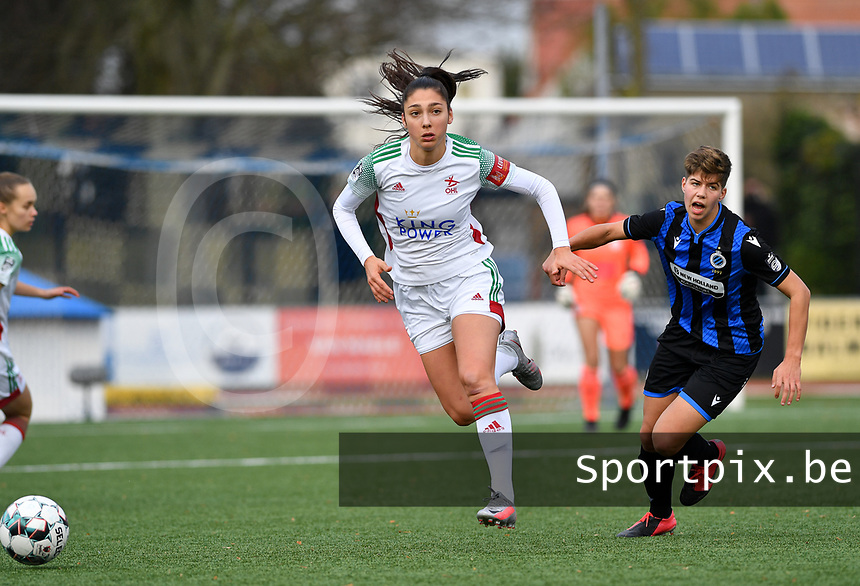 OHL's Amber Tysiak pictured in a duel with Isabelle Iliano (18 Brugge) during a female soccer game between Club Brugge Dames YLA and Oud Heverlee Leuven on the 8 th matchday of the 2020 - 2021 season of Belgian Scooore Womens Super League , saturday 21 th November 2020  in Knokke , Belgium . PHOTO SPORTPIX.BE | SPP | DAVID CATRY
