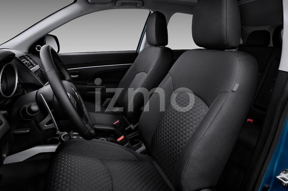 Front seats of a 2011 Mitsubishi Outlander Sport SE