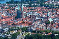 Luebeck:EUROPA, DEUTSCHLAND, SCHLESWIG- HOLSTEIN  29.06.2005:<br />Stadtansicht der Hansestadt Luebeck, das Holstentor und die Marienkirche werden im Aussenbereich Renoviert, Blickrichtung ist vom Lindenplatz in Richtung Ost. Erhaltung von Baudenkmaelern, Kulturschätze, <br /><br />Luftaufnahme, Luftbild,  Luftansicht