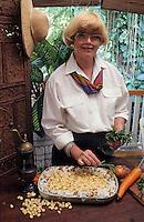 """Océanie/Australie/Queensland/Env de Gordonvale :   Recette de Jan Alley du """" Riverstone House"""" dans sa cuisine"""