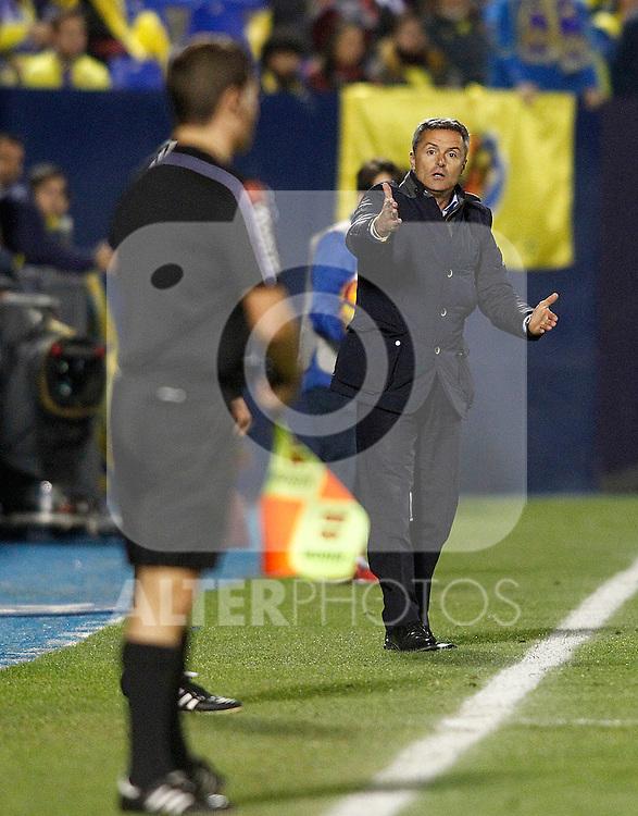Villarreal CF's coach Fran Escriba have words with the referee line during La Liga match. December 3,2016. (ALTERPHOTOS/Acero)