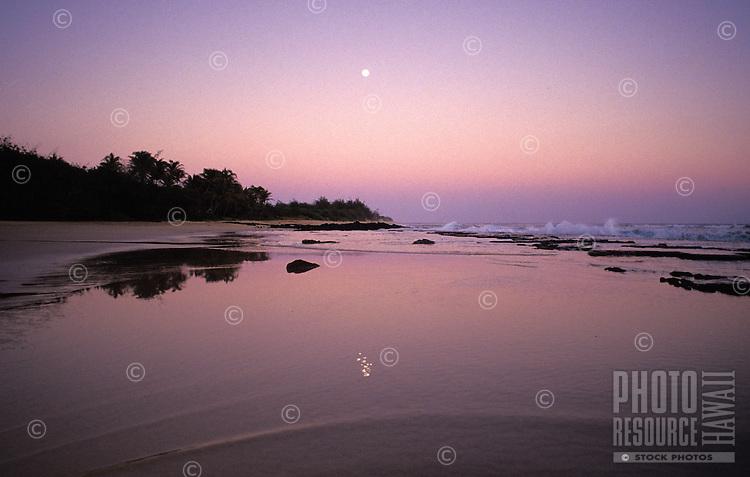 Mahaulepu beach, moonrise, southcoast, Kauai