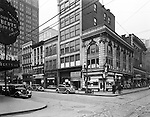 Pittsburgh PA: Diamond and Wood Streets. <br />