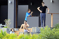 PAP1212PA354.STEPHANIE SEYMOUR IN ST BARTS WITH KIDS AND HER SON'S BOYFRIEND RELAXING.PAP1212PA354.STEPHANIE SEYMOUR IN ST BARTS WITH KIDS AND HER SON'S BOYFRIEND RELAXING.