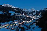 Italy, South Tyrol, Alto Adige, Dolomites, Santa Cristina Valgardena: wintersport resort, dusk | Italien, Suedtirol, Dolomiten, St. Christina in Groeden: Abenddaemerung ueber dem Wintersportort