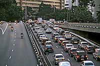 Congestionamento de trânsito em São Paulo. 2008. Foto de Juca Martins.