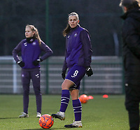 Laura De Neve (8) of Anderlecht pictured during the warm up before a female soccer game between Oud Heverlee Leuven and RSC Anderlecht on the 12 th matchday of the 2020 - 2021 season of Belgian Womens Super League , sunday 31 st of January 2021  in Heverlee , Belgium . PHOTO SPORTPIX.BE | SPP | SEVIL OKTEM