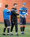 Jonatan Johansson with Lee Hodson and Fabio Cardoso