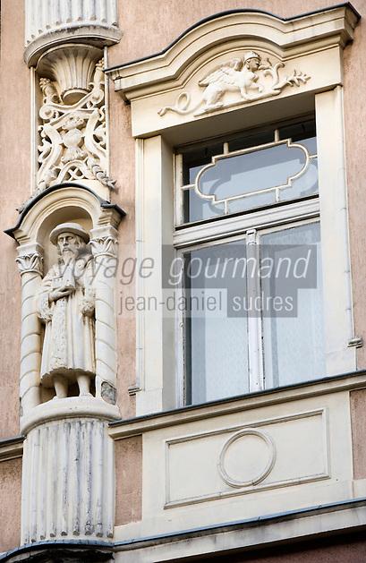 Europe/Pologne/Lodz: Détail des Facades baroques de la rue Piotrkowska plus longue rue pietonne de Pologne