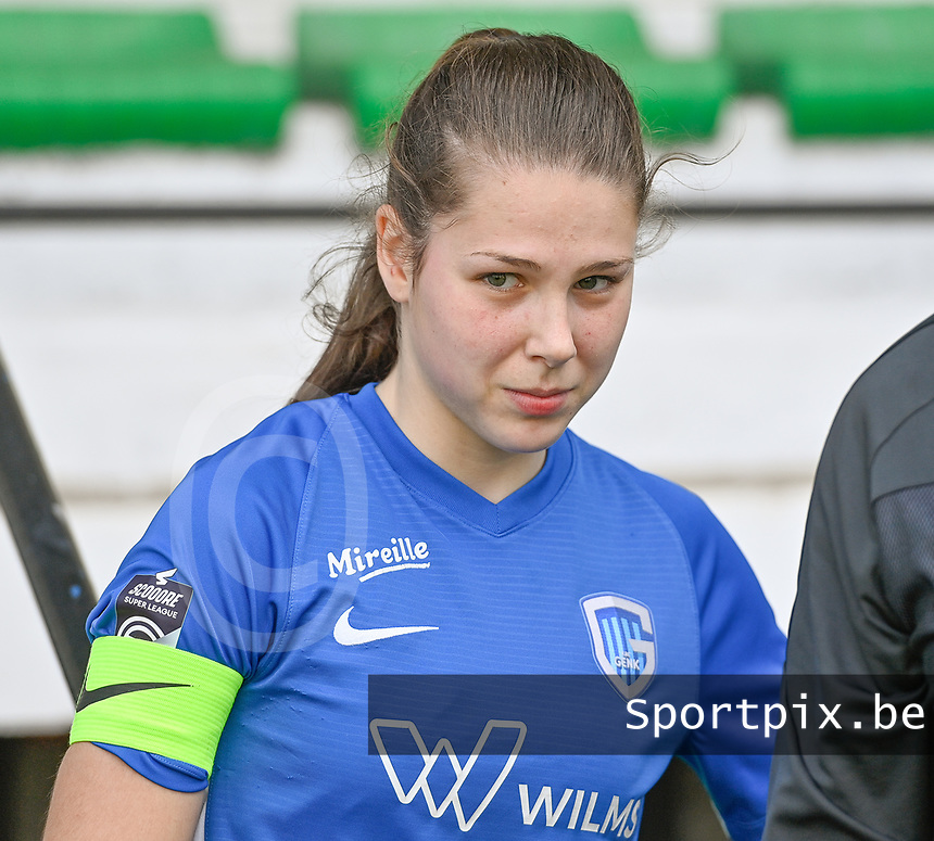 midfielder Sien Vandersanden (10) of KRC Genk pictured during a female soccer game between Eendracht Aalst and Racing Genk on the 10 th and last matchday of play off 2 of the 2020 - 2021 season of Belgian Scooore Womens Super League , Saturday 29 st of May 2021  in Aalst , Belgium . PHOTO SPORTPIX.BE | SPP | DAVID CATRY