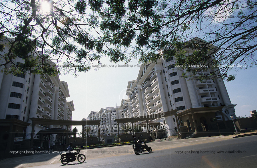 INDIA Bangalore, apartment block, gated community / INDIEN Bangalore, Wohnanlage mit Apartments, gated community