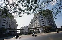 INDIA Bangalore, apartment block, gated community / INDIEN Bangalore, Wohnanlage mit Apartments, gated community