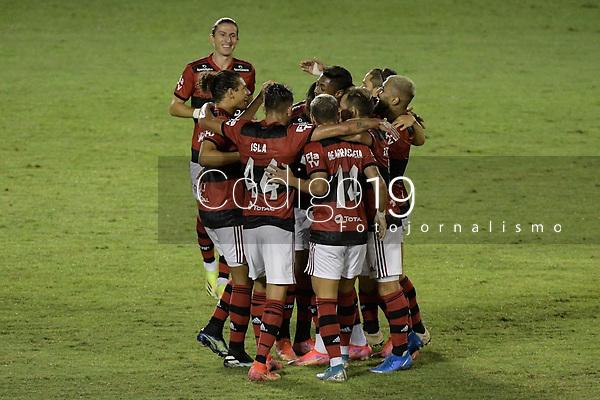 Volta Redonda (RJ), 05/04/2021 - MADUREIRA-FLAMENGO - Gerson, do Flamengo, comemora gol. Partida entre Madureira e Flamengo, válida pela oitava rodada da Taça Guanabara, realizada no Estádio Raulino de Oliveira, em Volta Redonda, nesta segunda-feira (05).