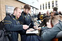 Photo: Richard Lane/Richard Lane Photography. Wasps v Northampton Saints. Aviva Premiership. 29/04/2018. Wasps' Dan Robson and Elliot Daly greet supporters.