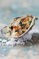 Tartare d' huîtres et dorade au caviar d'Aquitaine - recette de Christian Constant EXCLU: EDITION LIVRE CUISINE DU SUD-OUEST