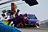 #11: Denny Hamlin, Joe Gibbs Racing, Toyota Camry FedEx Ground makes a pit stop, Sunoco