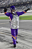 #11: Denny Hamlin, Joe Gibbs Racing, Toyota Camry FedEx Express Ed Watkins gas man