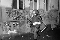 - Berlino, tafferugli fra giovani anarchici e polizia durante le manifestazioni del 1° maggio 1991<br />