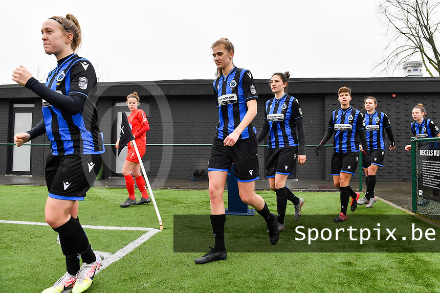 illustration picture showing both teams with Celien Guns (10) of Club Brugge , Marie Minnaert (13) of Club Brugge and Frieke Temmerman (17) of Club Brugge entering the pitch during a female soccer game between Club Brugge Dames YLA and White Star Woluwe on the 12 th matchday of the 2020 - 2021 season of Belgian Scooore Womens Super League , saturday 30 January 2021  in Brugge , Belgium . PHOTO SPORTPIX.BE | SPP | DAVID CATRY