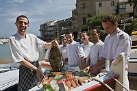 Europe/France/Corse/2B/Haute-Corse/Erbalunga: Pierre Ricci et son chef Jerry Monmessin  restaurant :Le Pirate, au port [Non destiné à un usage publicitaire - Not intended for an advertising use]